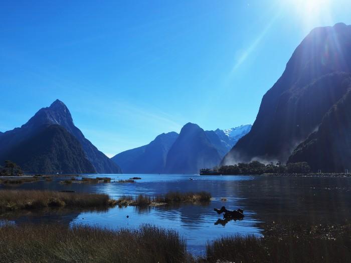 Milford Sound vu de la terre ferme