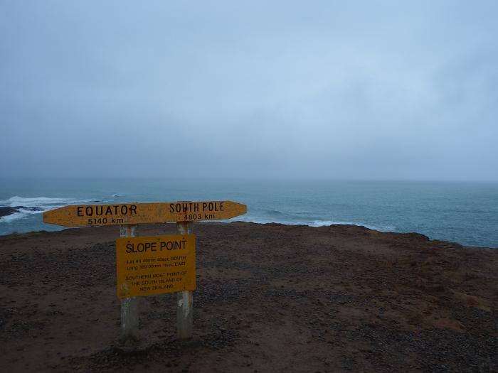 Le point le plus au sud du sud de l'île de sud dans l'hémisphère sud