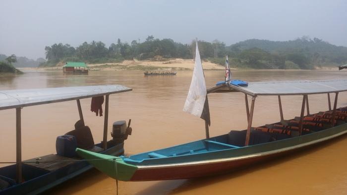 L'embarcadère à Kuala Tembeling
